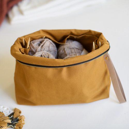 prosjektpose fra plystre i honey brown