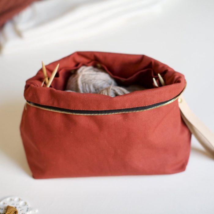 plystre prosjektpung i rust red til strikketøy