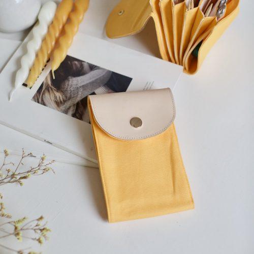 strikkepinneetui til rundpinner fra plystre, i golden yellow