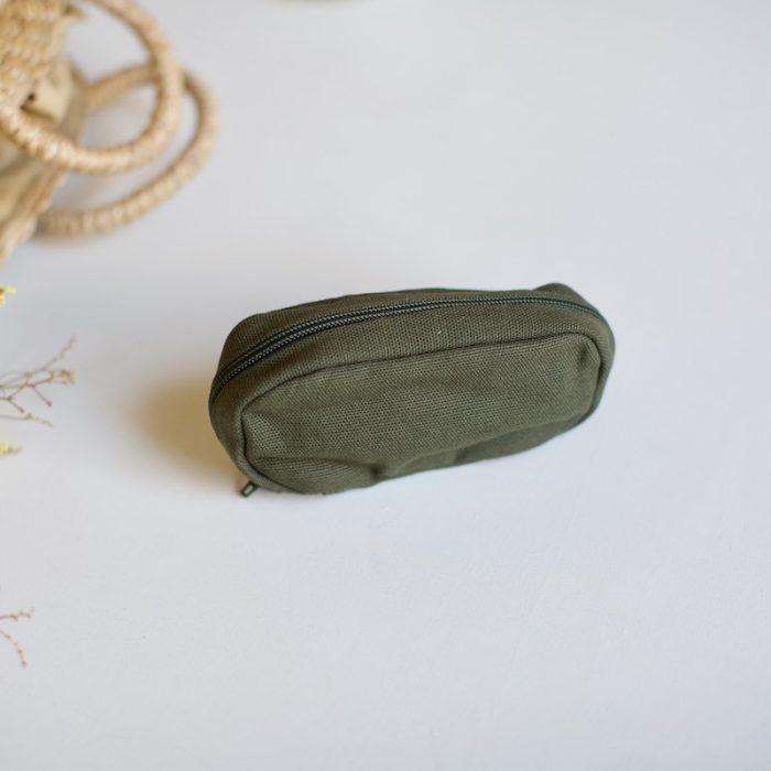 strikkestæsj gave fra plystre i khaki
